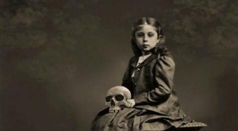 Emily-la-bambina-cannibale